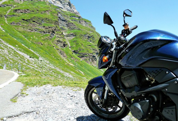 motorcycle-68844_1280